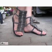 Замшевые сандали