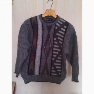 Продам махровый свитер на мальчика 10-11 лет