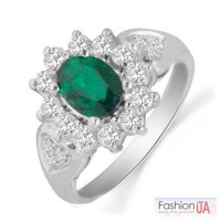 Золотое кольцо с изумрудом и бриллиантами 0,88 карат 17,5 мм. НОВОЕ
