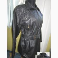Женская кожаная куртка с поясом. Германия. Лот 932
