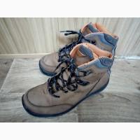 Продам утепленные ботинки Urbica