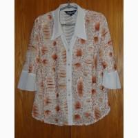 Блузка с бежевым цветочным принтом. Размер 52