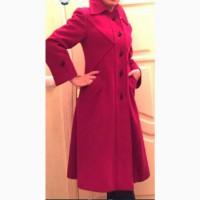 Продаю женское пальто из натуральной шерсти