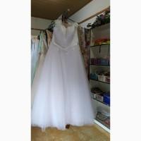 Продаж весільних суконь