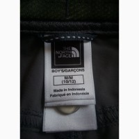 Треккинговые штаны шорты The North Face мальчик р.М 10/12