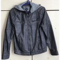 Продам куртка подростковая демисезонная/полиуретан, рост 158
