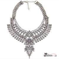 Шикарное, массивное ожерелье на шею, премиальные украшения, колье, с камнями, в серебре