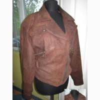 Оригинальная женская кожаная куртка-косуха с поясом. Лот 234