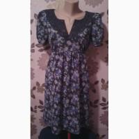 Продам платье шелковое с кружевным воротничком