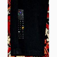 Капри стрейчевые фирмы «Lafeipiza» размер 48. Цвет черный, насыщенный